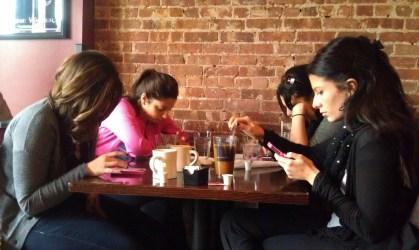 Checking-Smartphones